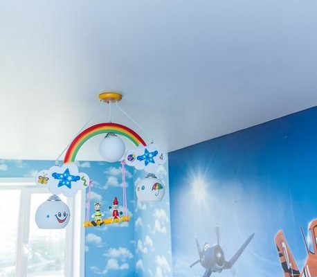 натяжной потолок для детской
