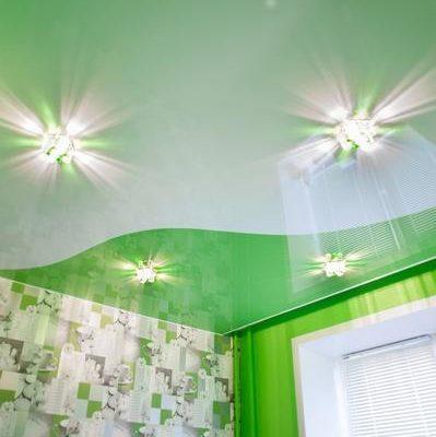 натяжной потолок зеленый
