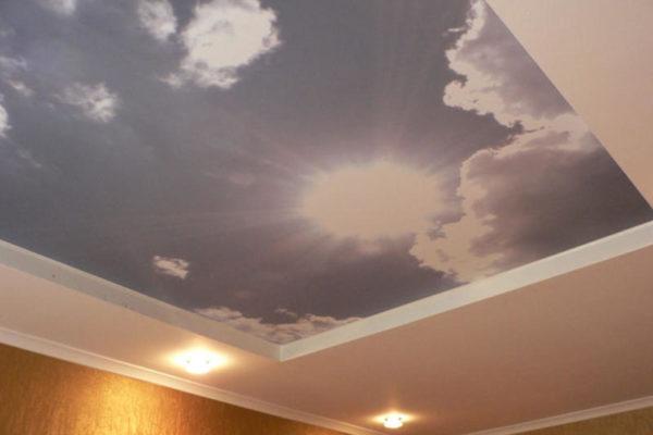 натяжной потолок небо и солнце
