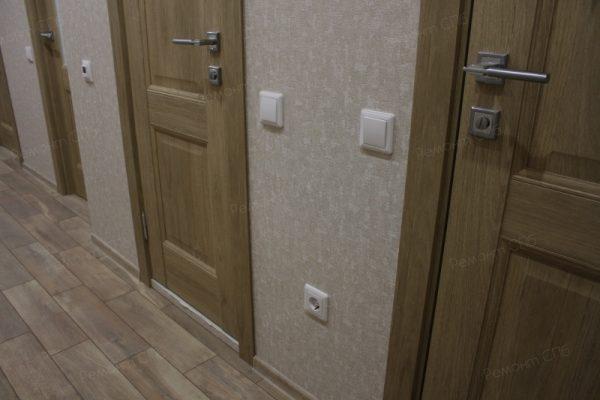 фото капитального ремонта квартиры на ул. Кустодиева д.12 монтаж розеток и выключателей