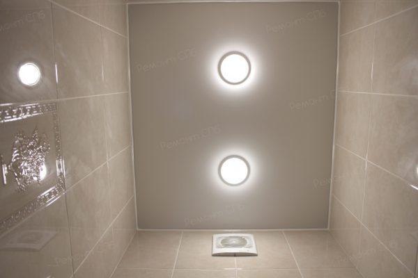 фото капитального ремонта квартиры на ул. Кустодиева д.12 освещение в натяжных потолках