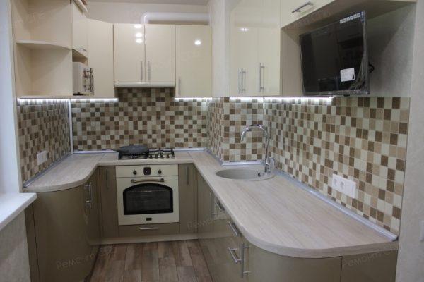 фото капитального ремонта квартиры на ул. Кустодиева д.12 установка мебели в кухне