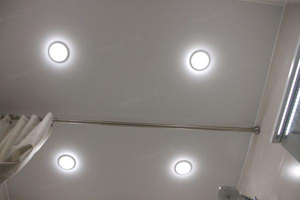 фото капитального ремонта квартиры на ул. Кустодиева д.12 освещение санузла