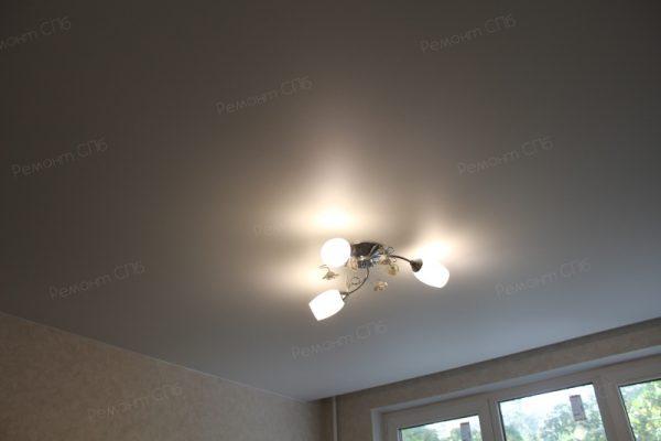 фото капитального ремонта квартиры на ул. Кустодиева д.12 освещение